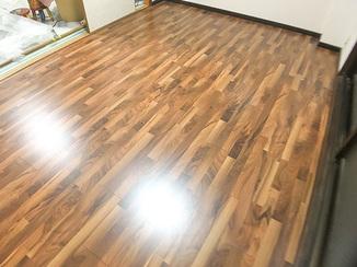 内装リフォーム 傷や汚れに強く、床暖房にも対応した耐久性の高いフローリング