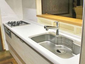 キッチンリフォーム明るく掃除のしやすいキッチン
