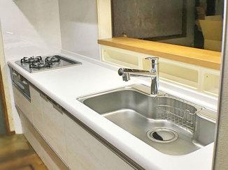 キッチンリフォーム 明るく掃除のしやすいキッチン