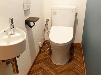トイレリフォーム 使い勝手の良い洗面台とオシャレなトイレ空間