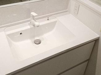 洗面リフォーム 気になるところのみを取り替えた水廻りのリフォーム