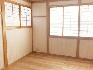 内装リフォーム フローリングと壁紙で娘さんが使いやすい洋室へ一新