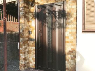 エクステリアリフォーム 隙間風をシャットアウト、玄関の断熱性を上げるドア