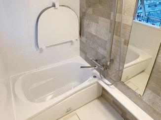 バスルームリフォーム 以前よりも広くなった浴室でゆったりリラックスできるバスルーム