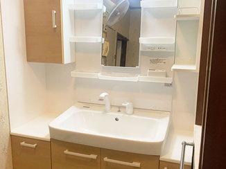 洗面リフォーム 水はね対策をした明るい洗面所