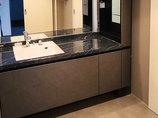 洗面リフォーム床暖房が使えるフローリングと、ホテルライクなカッコいい洗面所