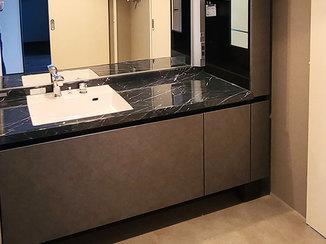 洗面リフォーム 床暖房が使えるフローリングと、ホテルライクなカッコいい洗面所
